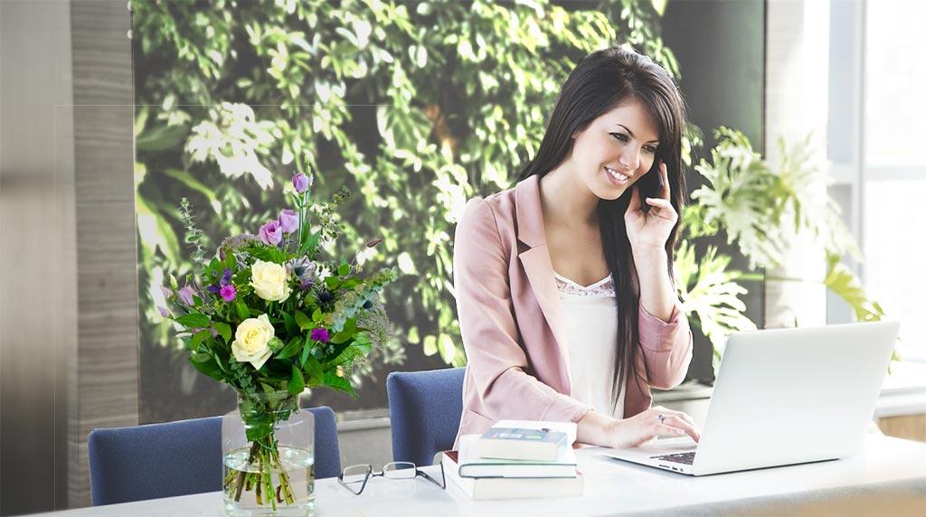 Zakelijk bloemen, uitnodigingen en geschenken verzenden
